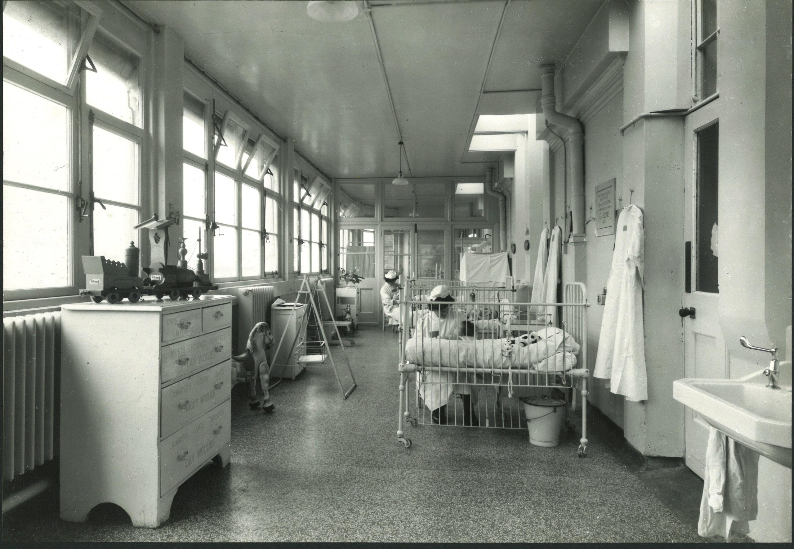 Paediatric ward, Royal Alexandra Hospital, 1920s