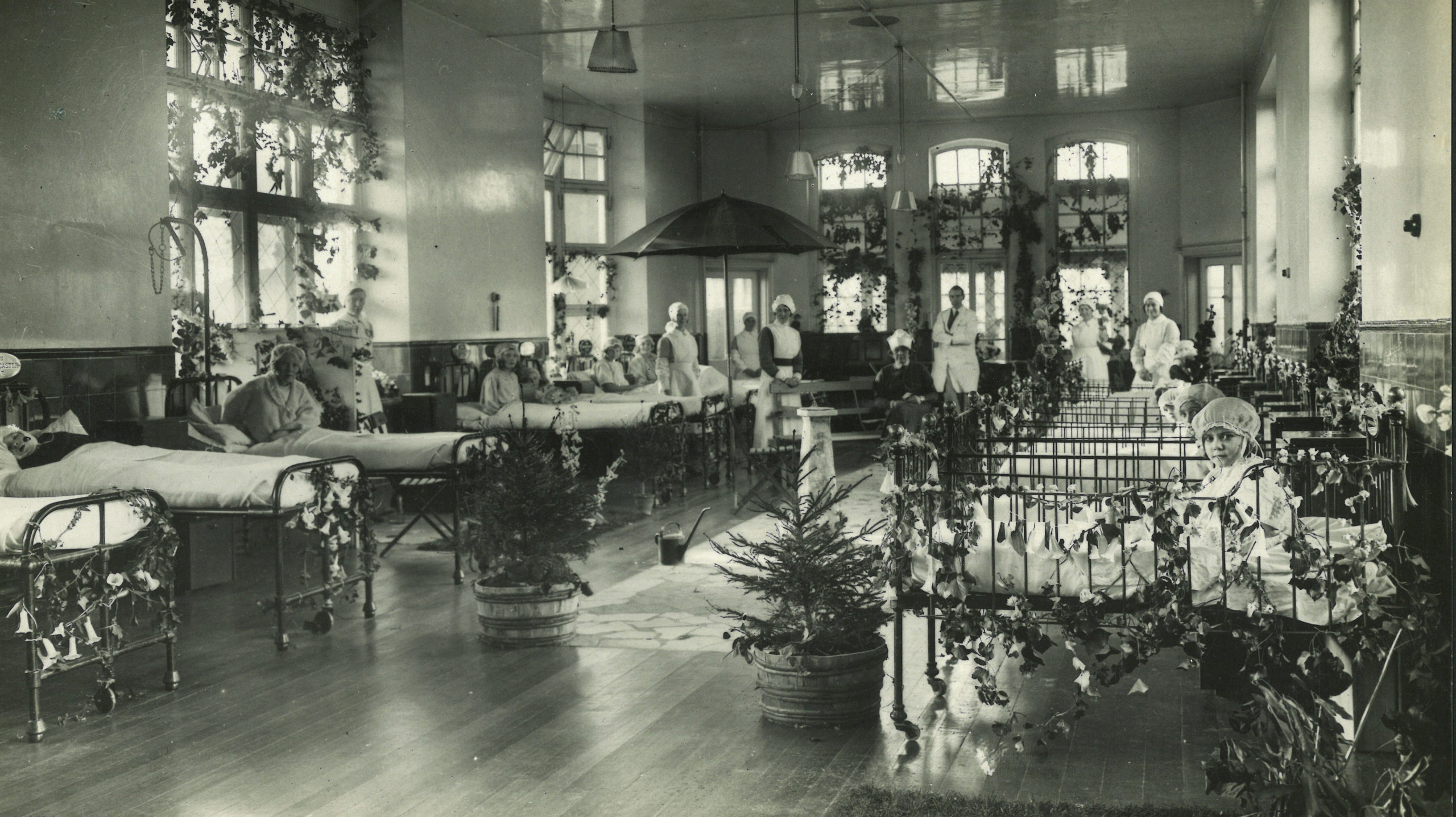 Decorated hospital ward, c. 1900